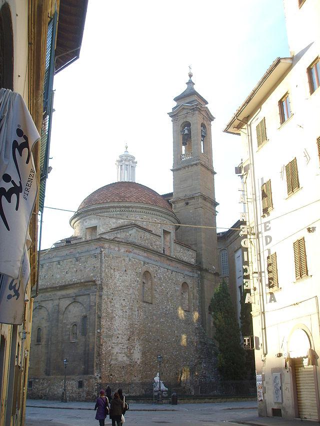 San_lorenzo,_sagrestia_nuova_esterno